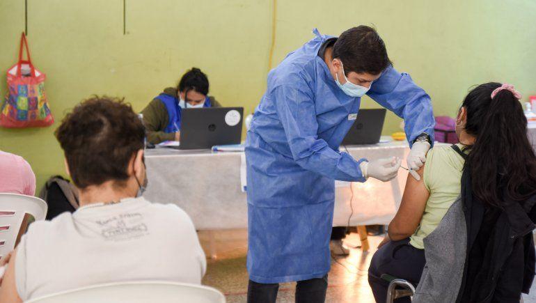 Arranca la vacunación para menores: horarios y lugares