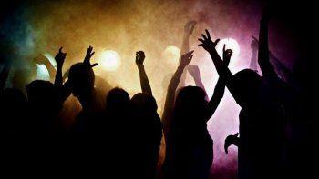 la policia desbarato una fiesta clandestina en una chacra