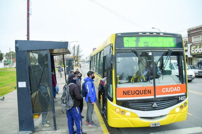 Un paro de la UTA dejó sin colectivos a varias ciudades de Neuquén.