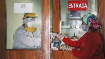 a cama caliente: explotaron los casos de covid-19 en cipolletti