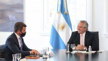 el presidente recibio a directivos de ford: anunciaron inversiones por 580 millones de dolares