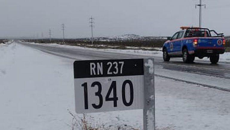 Las heladas llegan al Alto Valle y montan operativos por nieve en la cordillera