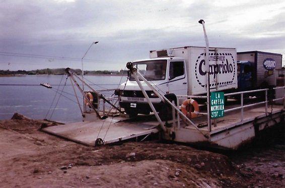 El camión de reparto de Capriolo en Balsa Las Perlas.
