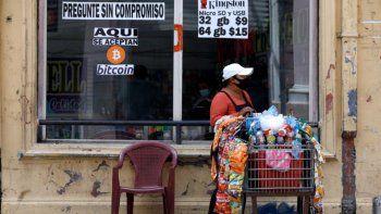 crece el uso del bitcoin en el salvador, pero persisten los dolores de cabeza