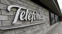 los duenos de cronica se expanden con la compra de telefonica de uruguay
