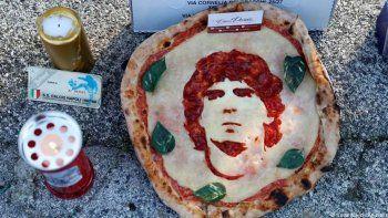 diego maradona y la pizza, un amor eterno