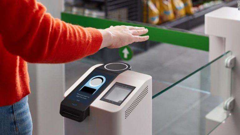Amazon presentó un sistema para pagar con la palma de la mano