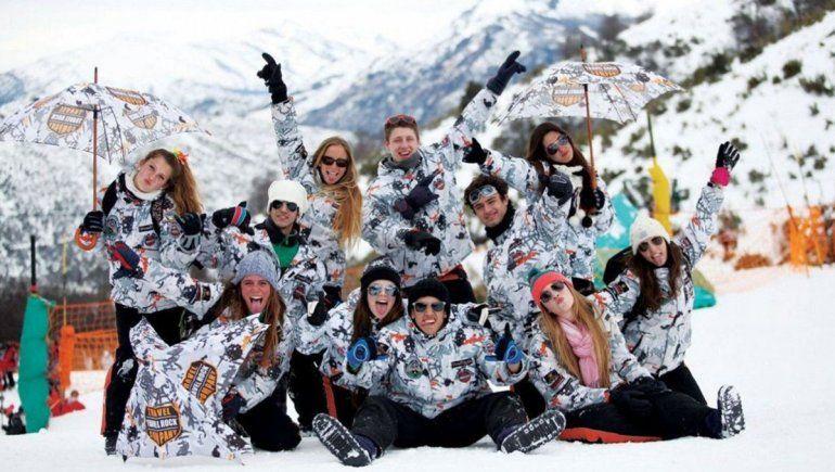 Qué pasará con los viajes de egresados en Neuquén