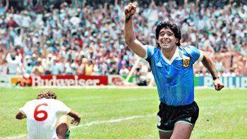 insolito: periodista argentino le puso un 8 a diego el dia del gol a los ingleses