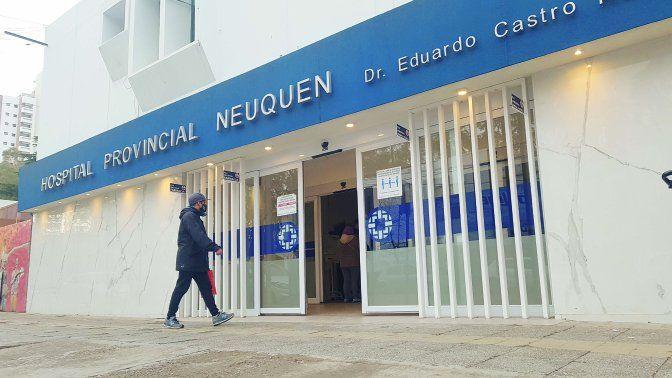 El personal del Castro Rendón trabaja sin descanso por la grave situación.