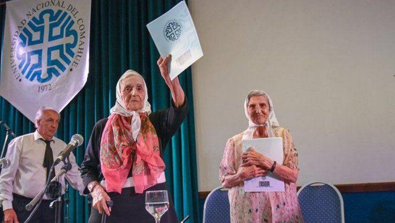 Inés Ragni y Lolin Rigoni fueron premiadas por el Presidente