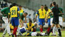 En 2003 El camerunés Marc-Vivien Foé se desplomó en plano partido en la Copa de las Confederaciones y murió una hora después.visibilityvisibility
