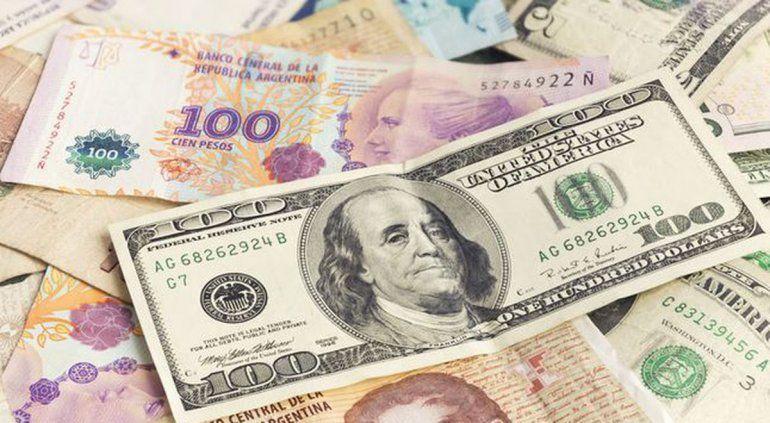 El Gobierno tomó medidas para frenar el dólar blue, pero no para de tocar un precio récord.