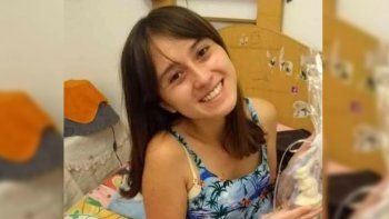 zapala: intensa busqueda de una joven que salio al centro y no volvio