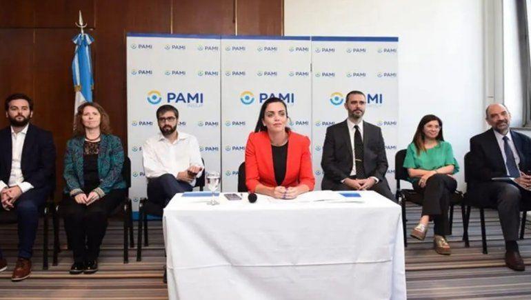 Nuevo escándalo por sobreprecios: denuncian que el PAMI compró alcohol en gel en un 137% más caro