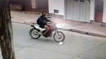 atropello a una nena de 3 anos con su moto, la arrastro y le dio una patada en la cabeza para huir
