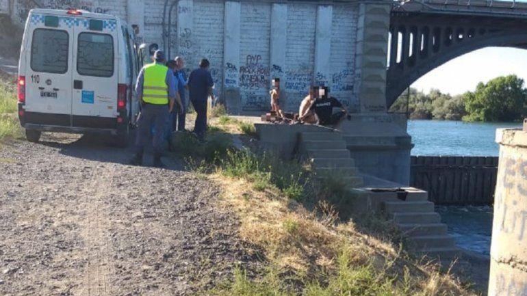 Se tiró del paredón del dique Ballester y se lesionó: tuvo que ser rescatado