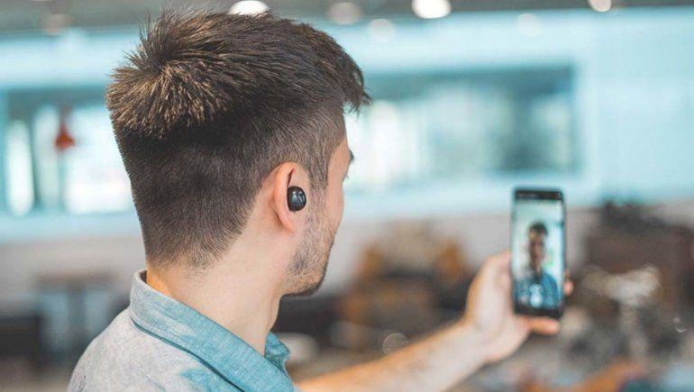 WhatsApp: cómo pasar de una llamada a videollamada sin colgar.