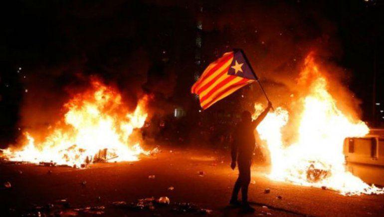 Al menos 12 heridos durante manifestación separatista afuera del Camp Nou