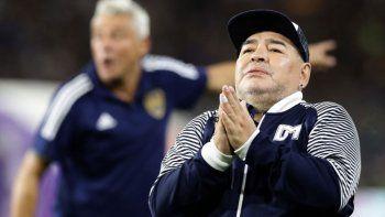 Se picó con el psicólogo de Maradona: habló y lo atacaron