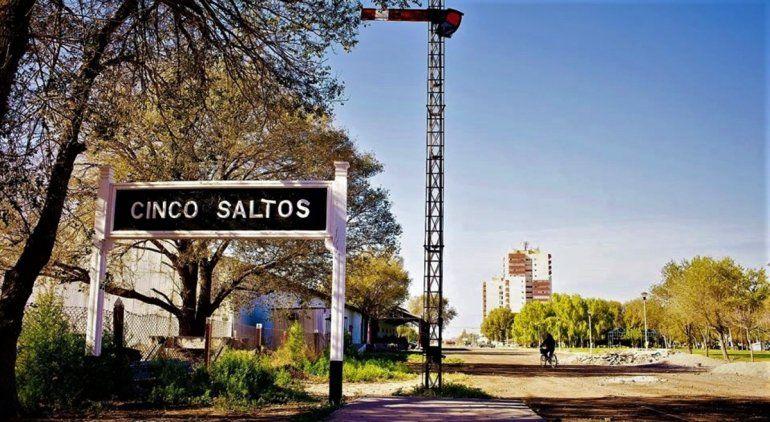 Cinco Saltos: los vecinos no cumplieron y el Municipio restringió las salidas