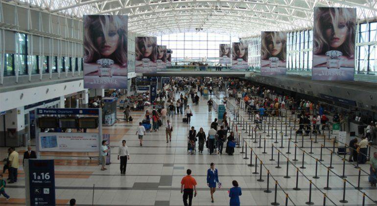 Los vuelos comerciales ya están habilitados, pero con estrictos protocolos.