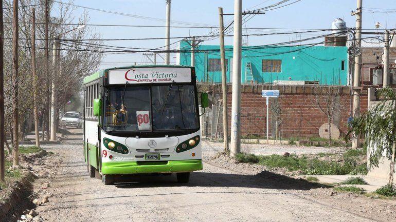 Costa Victoria SRL es la responsable del servicio urbano de Centenario.