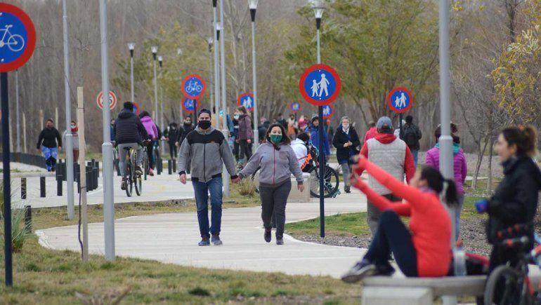 El DNU limita la circulación de personas.