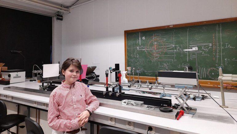 Un nene de 11 años se graduó de licenciado en Física