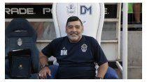 El sillón de Maradona que compró el vecino en su momento.