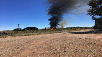 incendio en plottier arraso con 200 metros de pastizales
