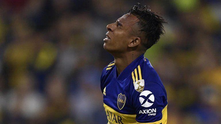 Villa pidió irse de Boca y abandonó la práctica: se llevó hasta los botines