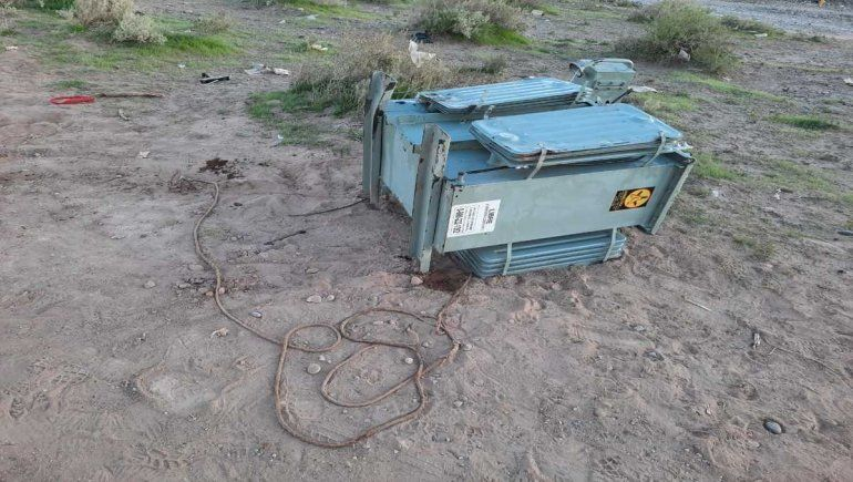 A caballo y en moto intentaron robar un transformador