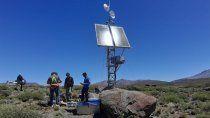 instalan equipos para enviar datos del volcan copahue