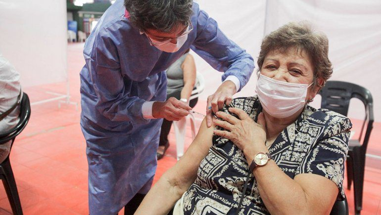 Neuquén ya vacunó al 94% de los adultos mayores de 60 años