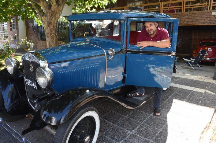 La pasión de Mariano Mansilla por los autos antiguos