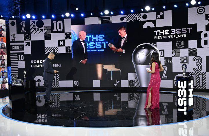 Mirá la sorpresa de Lewandowski al recibir el premio The Best