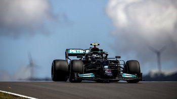 Valtteri Bottas quedó al frente del vienes de la Fórmula 1 en Portugal
