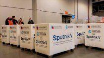 sputnik v: rusia admite que la demanda mundial excede su capacidad