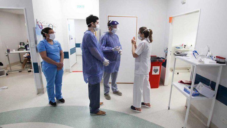 El sistema de salud sumó a casi 900 trabajadores para combatir la pandemia