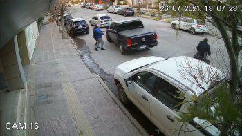 video: asi intentaron robar a mano armada una camioneta en pleno centro