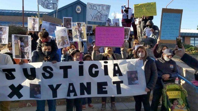 Familiares de Yanet marcharon por las calles de Junín de los Andes para reclamar Justicia.