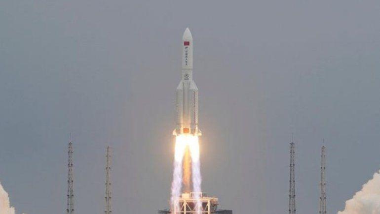 Dónde y cuándo caerían los restos del cohete chino