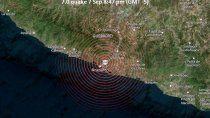 un sismo de 7,1 grados sacudio mexico y miles de civiles buscan refugio