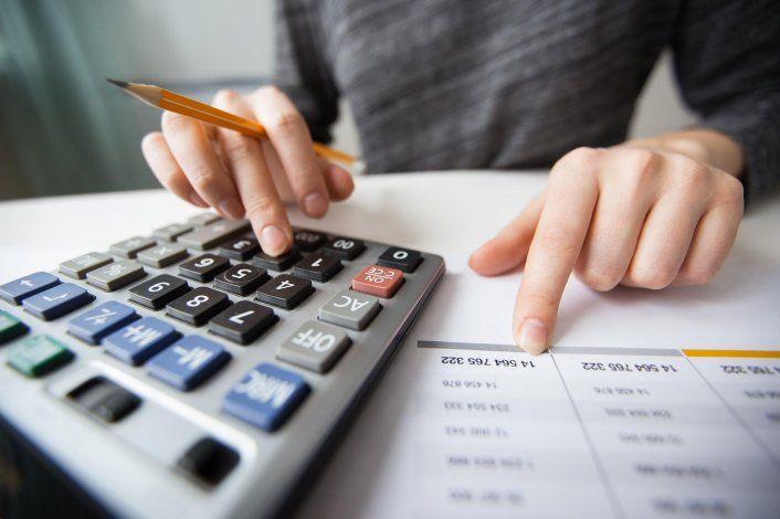 Cambios en ganancias y monotributo: quiénes pagarán y cómo serán los reintegros