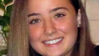 Vacuna de AstraZeneca: falleció una chica de 18 años tras recibir la primera dosis