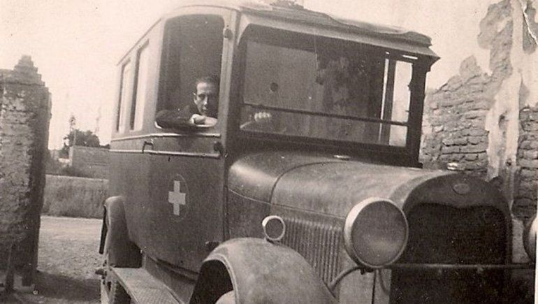 Arabarco en una ambulancia en los años '40.