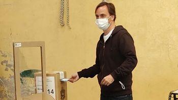 Juan Peláez pasó por las urnas y resaltó la transparencia de las elecciones