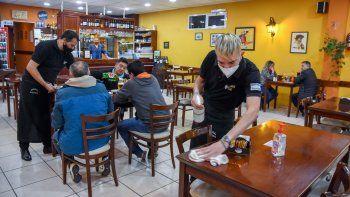 Nuevas medidas: bares y restós podrán abrir hasta las 24