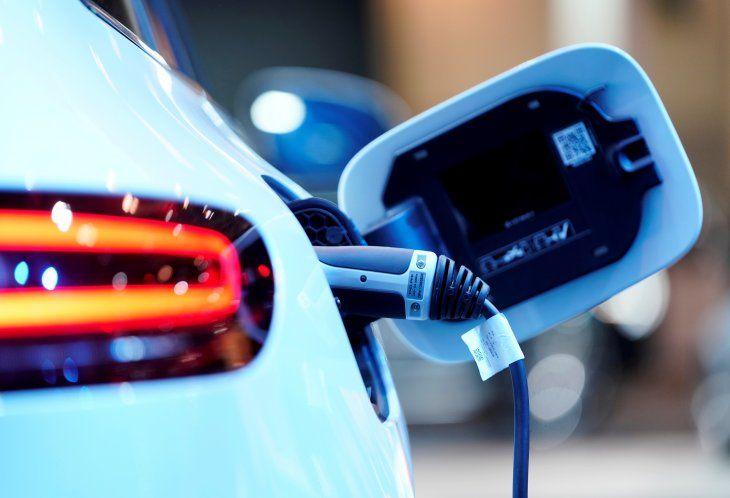 Imagen de archivo de un punto de carga para un auto eléctrico Mercedes Benz EQC 400 4Matic en el Salón Internacional del Vehículo en Toronto, Ontario, Canadá. 13 febrero 2019. REUTERS/Mark Blinch